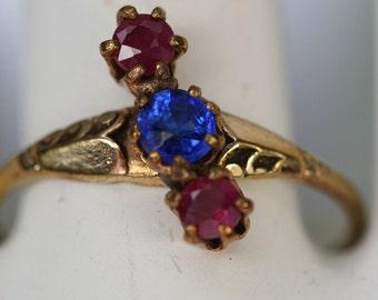 Ring-Vintage Goldtone Pink Spinel and Blue Glass Ring