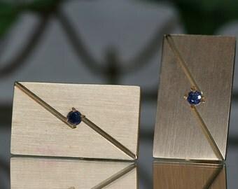 Lindsay and Co 14k Gold and Blue Spinel Cufflinks - Vintage