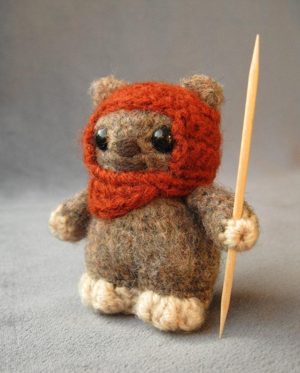 Crochet Pattern Small Amigurumi : PATTERN for Ewok Star Wars Mini Amigurumi