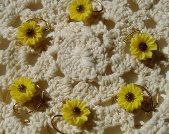 Yellow Daisy Hair Swirls for Summer Wedding