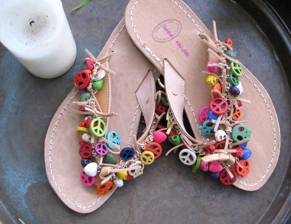 """Leather sandals with howlite peace signs and skulls - Multicolored - natural leather, gladiator sandals, natural color Flip flops - """"Athena"""""""