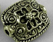 20 Spacer Beads in Antique Bronze- Scroll Design