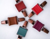 1 CUSTOM Colour Leather Lagenlook Clothes Clip/Garment Cincher/Suspender
