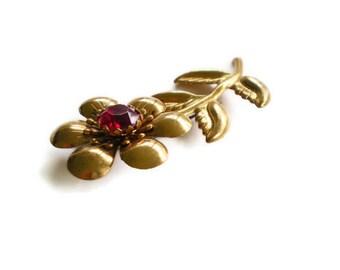 Vintage Flower Brooch Red Gold