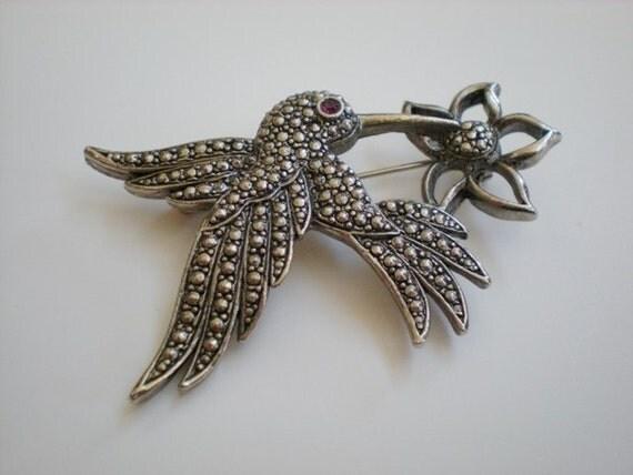 Vintage Hummingbird Brooch