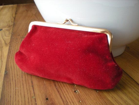 Vintage Red Velvet Clutch Retractable Key Ring