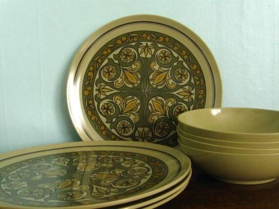 Vintage Texas Ware Mod Plates, Bowls Set of EIGHT