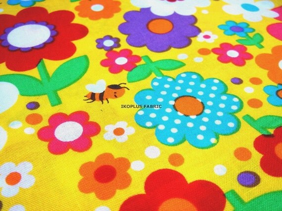 Colorful Pop Flowers Garden and Lovely Bee in Yellow -- EK-QS38268C