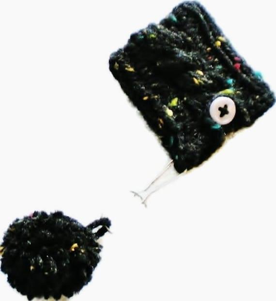 Black Tweed Cable Knit iPod Nano New 6th Generation Cozy, Holder Sleeve Case Licorice Ebony Onyx Night Goth Twilight Pom Pom Keychain