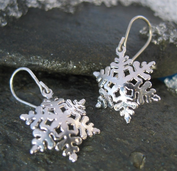 Snowflake Drop Earring