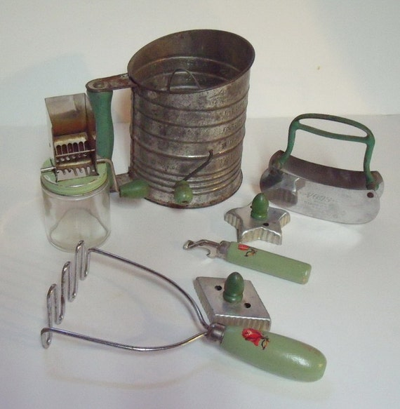 SALE 7 Vintage Green Handled Kitchenware Utensils By Brownmouse60
