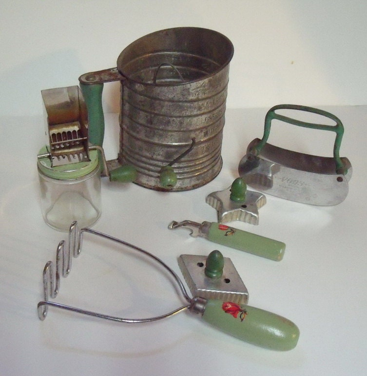 SALE 7 Vintage Green Handled Kitchenware Utensils Sifter Nut