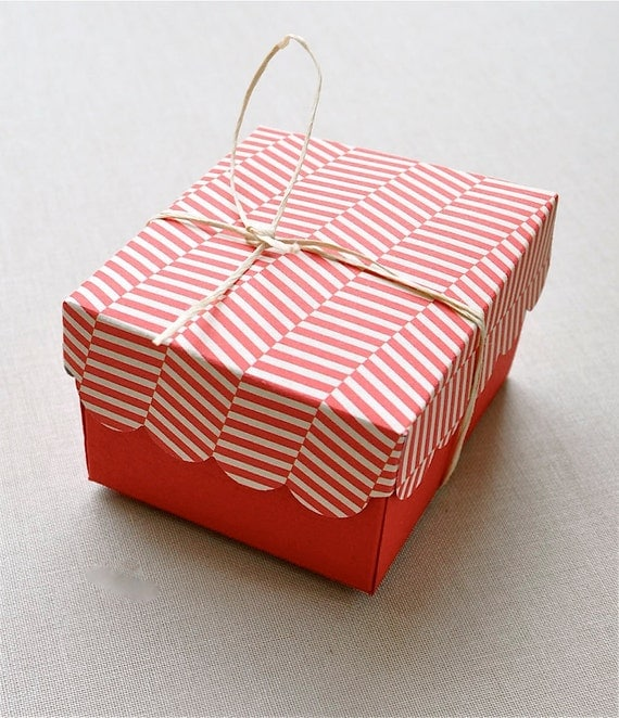 Holiday red and candy cane patterned handmade favor box. Set of 6.  Favor boxes, party decoration, cherry red, candy cane.