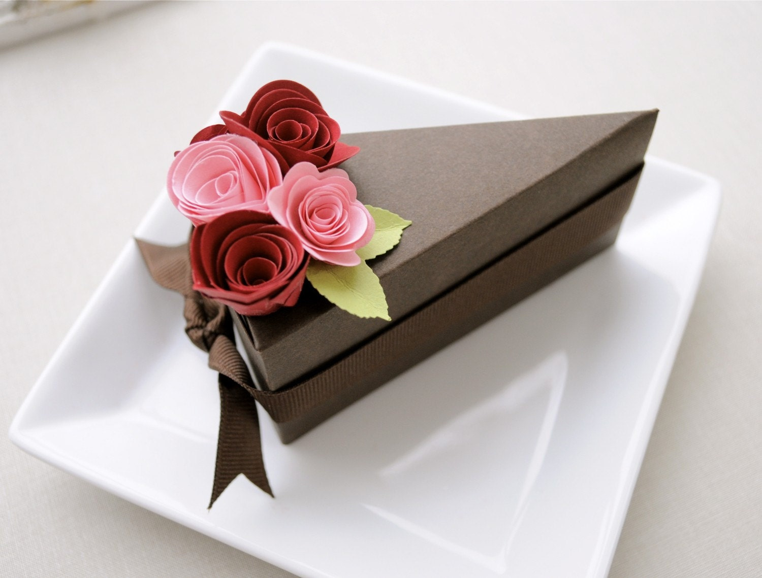 PAPER Chocolate cake slice favor box with pink and red flowers