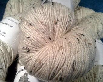Irish Tweed Merino Superwash Yarn - Natural White w/Flecks - 100g Skein