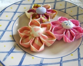Kanzashi Fabric Flowers Pattern Tutorial ... Flower Pattern no. 2