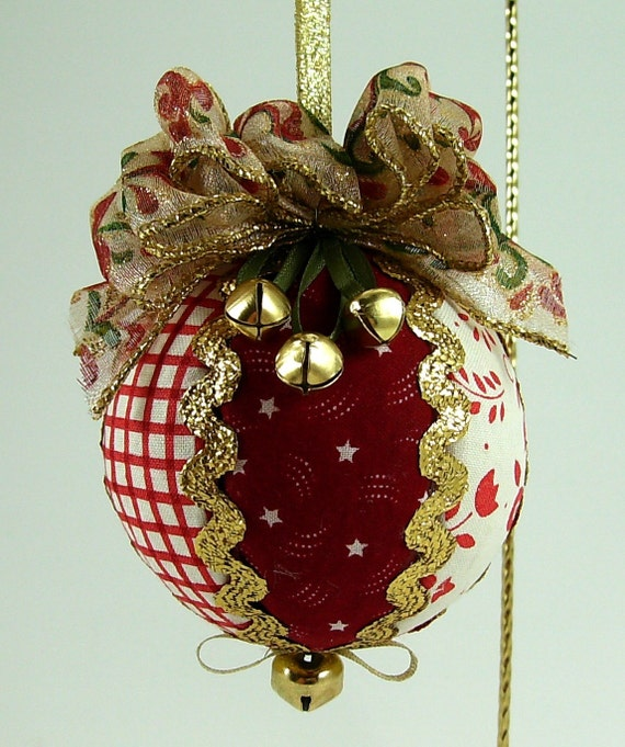 Jingle Bells Quilted Christmas Ball Ornament PDF Tutorial ... No Sewing