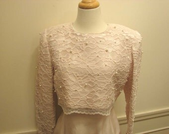 Vintage Size 6 Leslie Fay Semi Formal Dress with Pearl and Pale Pink Lace Top