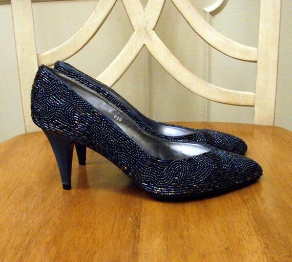 Vintage 80s Midnight Blue Hand Beaded 3 Inch Heel Dress Shoes by Caparros Size 6.5 M