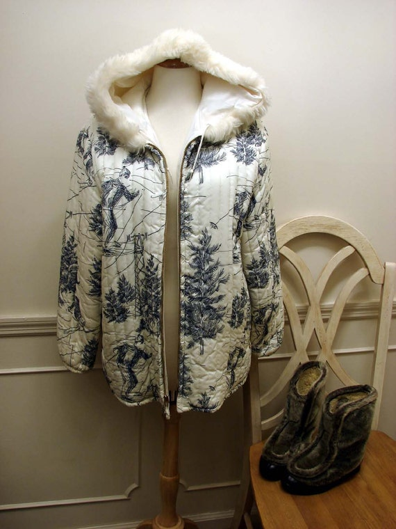 Vintage 60s Womens Cream and Navy Ski Jacket Size Large with Fur on Hood by Russ Free US Shipping