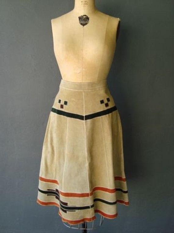 1970's  bohemian suede skirt with southwestern design size SMALL/MEDIUM