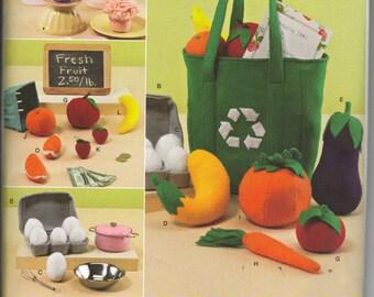 Felt Play Food Pattern,       Cupcakes, Eggs, Apples, Oranges, Carrots.....