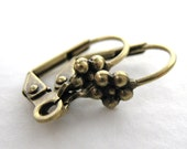 Antiqued Brass Ox Earwires, Vintage Style Flower Fancy Leverback 15mm erw0102 (10)