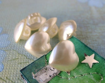 Vintage Glass Pearl Buttons. Ivory Hearts, Shank, Japan, 10mm but0121 (6)