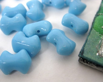 Vintage Glass Beads. Sky Blue Bows, 1950s West German 10x6mm vgb0243 (36)