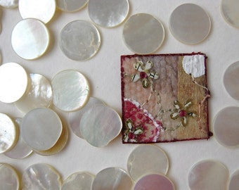 Vintage Mother of Pearl Disc Cabochons Natural Shell Off White Round 12mm mop0027 (12)
