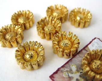 Vintage Daisy Flowers Cabochons. Gold Metallic, Japan, 10mm pcb0132 (8)