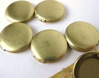 Vintage Locket.  Round, Brass No Loop, 1/2 inch or 13mm vfd0147 (6)