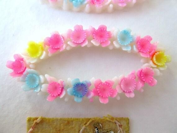 Vintage Plastic Cabochon, Oval Flower Bar Bouquet, Japan Handpainted 35mm pcb0060 (2)