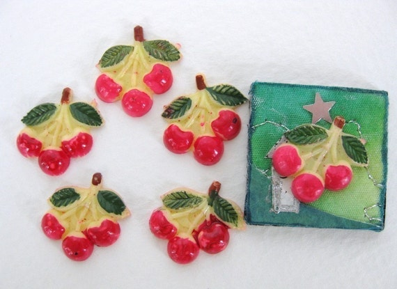Vintage Plastic Cabochon Cherry Red Green Yellow Painted Japan Cherries 15mm pcb0117 (6)
