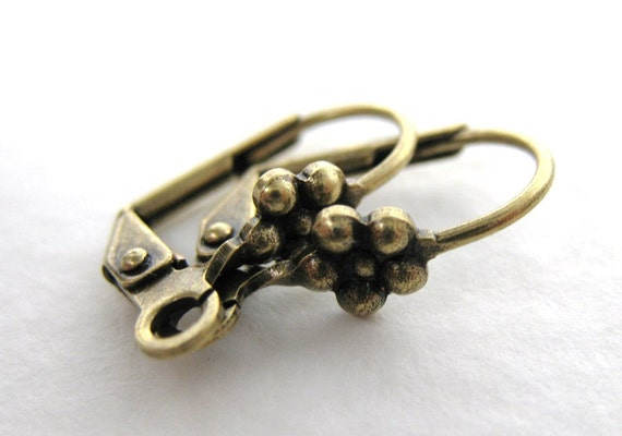 Antiqued Brass Ox Earwires, Vintage Style Flower Fancy Leverback 15mm erw0102 (10)
