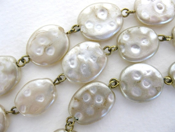 Vintage Glass Pearl Bead Chain. Ivory Rosary Linked Ovals, chn0069 (1 foot)