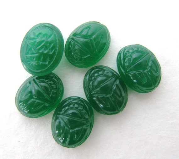 Vintage Glass Cabochons Jade Green Scarabs 8x6mm gcb0557 (8)
