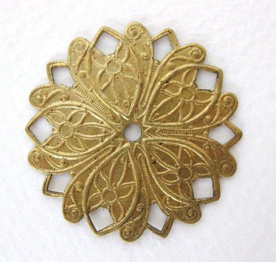 Brass Flower Filigree Russian Gold Plate Vintage Haskell Finding 31mm flg0016 (1)