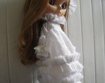 Pretty White Ruffle Dress, White Blythe Dress, Blythe Bride, Blythe Ghost