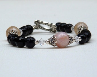 Beads Made from Flower Petals with Black Onyx Bracelet