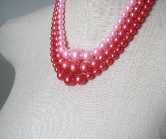 Pink Red Vintage Pearl Triple Strand Chunky Rose Strawberry Berry Necklace Mad men Era Rockabilly Cherry