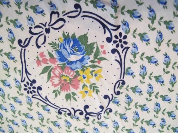 """Vintage Cotton Print Textile, 1950s Cotton Fabric, Floral 34"""" Wide, Quilt Dress Weight"""