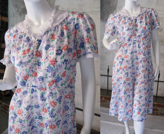 Vintage 40s Cotton Dress, Rockabilly Style, Floral Print Summer Dress, Lace Trim, Day Dress