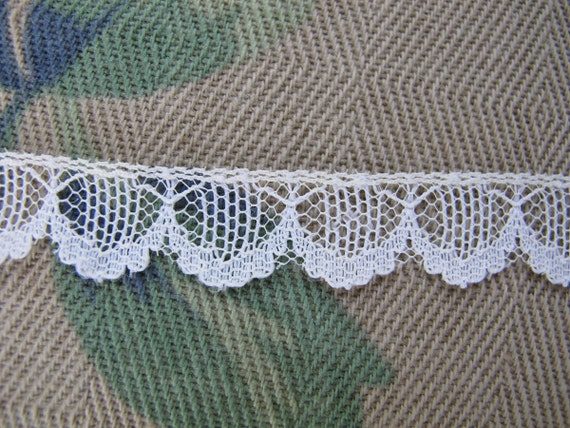 "White Nylon Lace, Scalloped Lace, Swag Nylon Lace 1/2"" Wide, One Yard, Lace by the Yard"