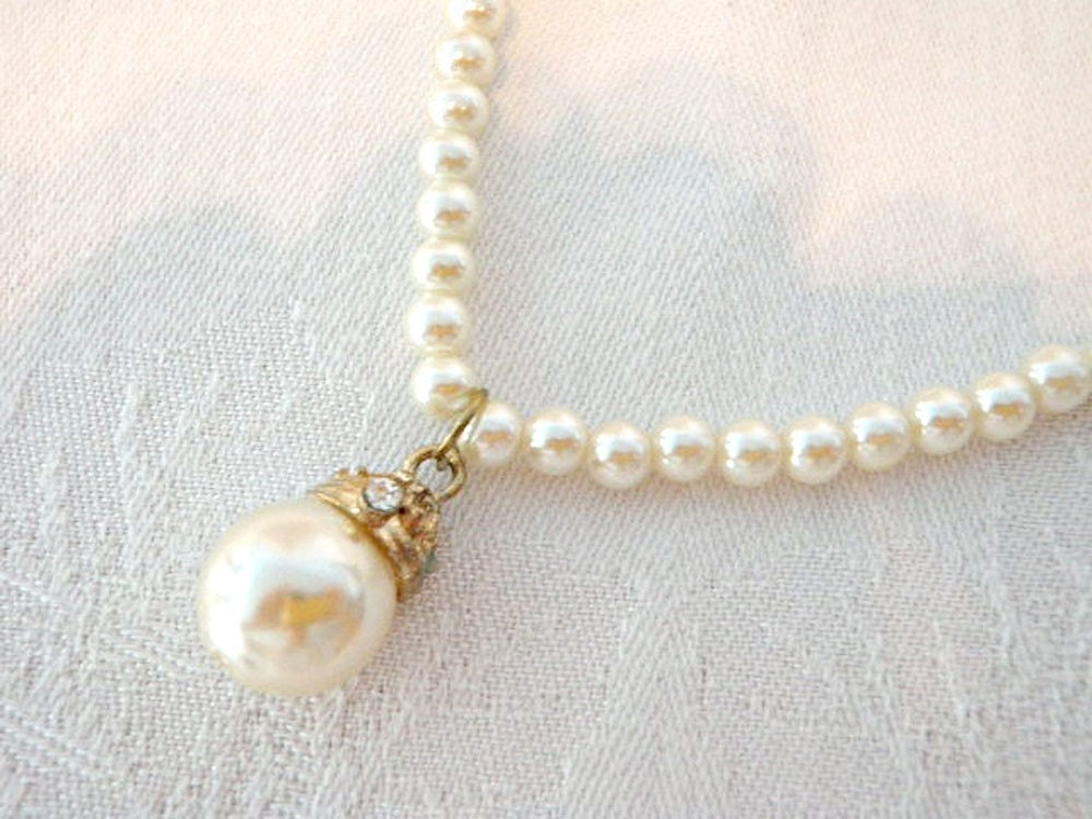 Vintage Pearl Choker String of Pearls Large Pearl by BettyandBabs
