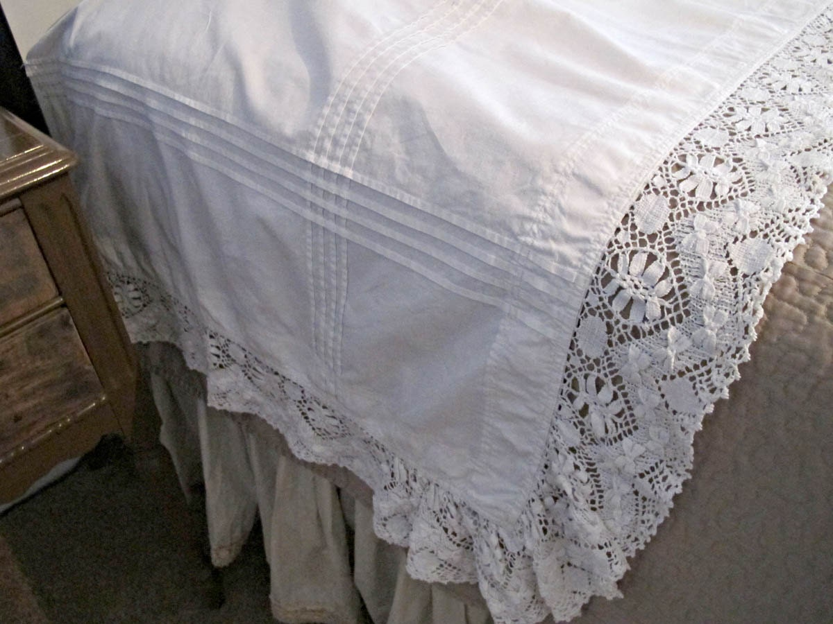 Vintage Bedding Pillow Sheet Lace Pillow Covertucks And