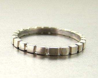 Square design wedding band 14k gold. Stacking ring.