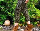 Small - Black and Gold Shipibo Leggings- Shipibo Clothing - Yoga - Dance - Ayahuaca clothing - Shipibo Pants