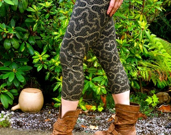 Small - Black and Gold Shipibo Leggings- Shipibo Clothing - Yoga - Dance - Ayahuaca clothing - Shipibo Pants