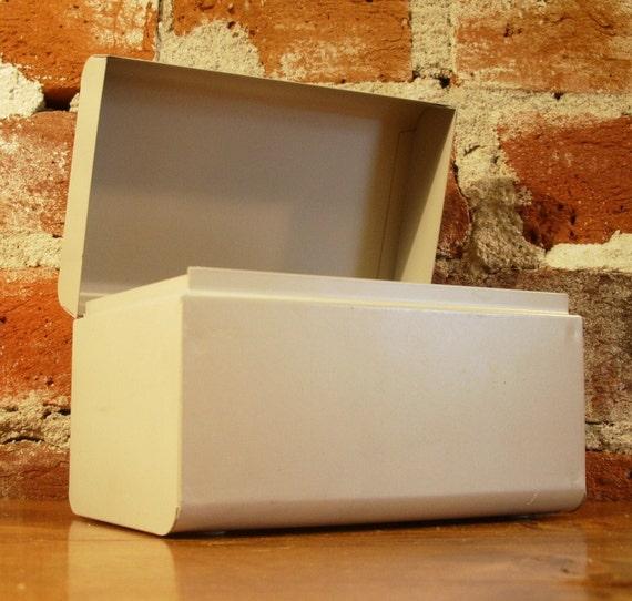 Vintage Recipe Box Card File- Light Beige